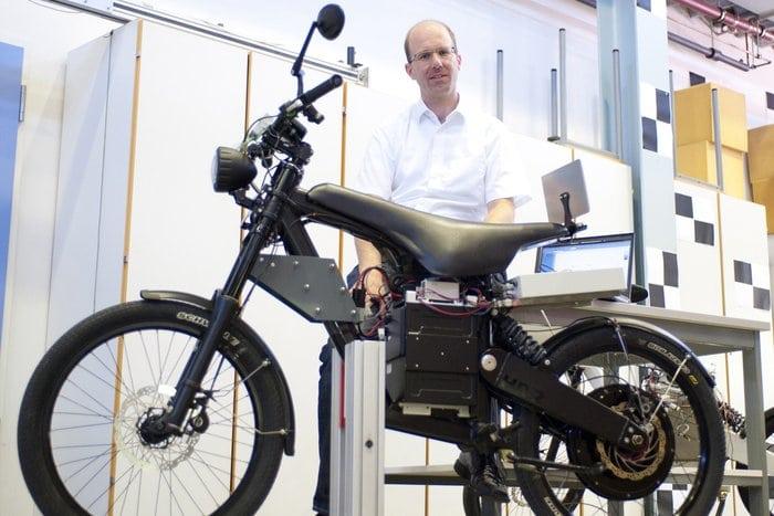 Allrad-E-Bike auf dem Prüfstand / Foto: Annika Bingmann/Uni Ulm